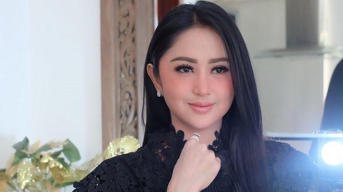Dewi Perssik Mengaku Hanya Bisa Berkurban 3 Kambing & 2 Sapi Kena Imbas Pandemi Corona