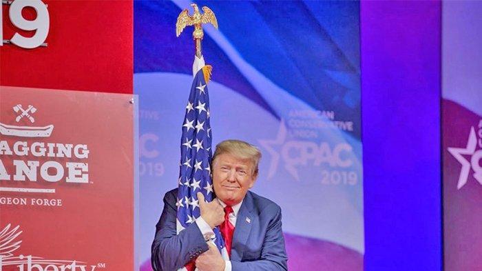 Facebook Hapus Puluhan Iklan Kampanye Donald Trump Mengapa